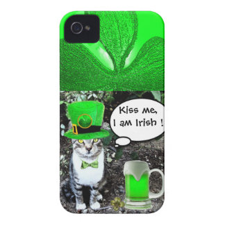 SAINT PATRICK'S DAY CAT WITH GREEN IRISH BEER Case-Mate iPhone 4 CASES
