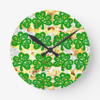 SAINT PATRICKS DAY ROUND CLOCK