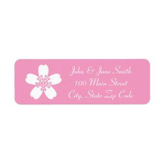 Sakura encantador en etiqueta del remite del rosa  etiquetas de remite