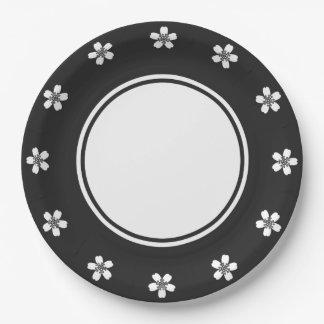 Sakura encantador en placa de papel negra platos de papel