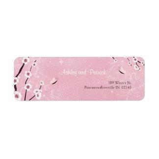 Sakura y etiqueta de dirección de las mariposas
