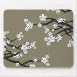 Sakuras blanco florece el regalo elegante oriental tapete de ratón