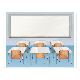 Sala de clase por completo de sillas y de tablas tarjetas postales