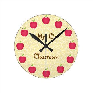 Sala de clase roja personalizada de Apple Reloj Redondo Mediano