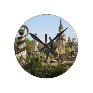 Sala Keo Kou, Nong Khai, Tailandia Reloj Redondo Mediano