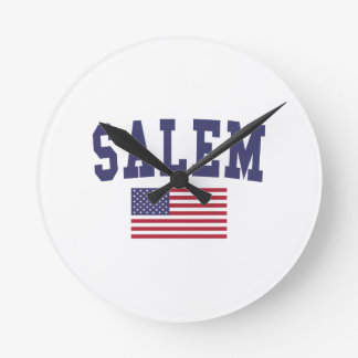 Salem O bandera de los E.E.U.U. Reloj Redondo Mediano