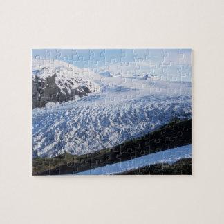 Salga el glaciar en parque nacional de los fiordos puzzles