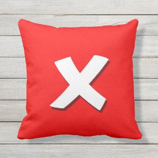Salga la almohada cuadrada del botón
