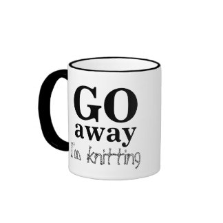 Salgo, estoy haciendo punto la taza del café del