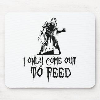 Salgo solamente alimentar al zombi tapete de raton