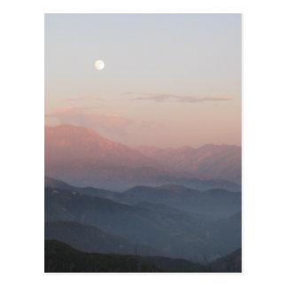 Salida de la luna de la montaña de San Bernardino Postal