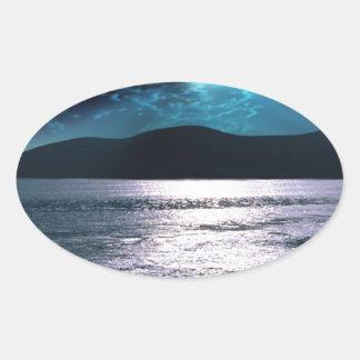 Salida de la luna de la playa de la tranquilidad pegatina ovalada