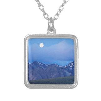 Salida de la luna del cielo sobre gama de Alaska Colgante Cuadrado