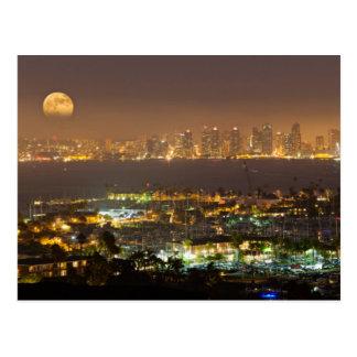 Salida de la luna sobre el horizonte de San Diego Tarjetas Postales