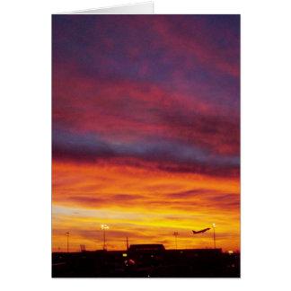 Salida del aeroplano de la salida del sol tarjeta de felicitación