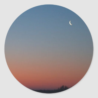 salida del sol con la luna de la mañana, foto pegatina redonda
