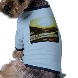 Salida del sol con la playa de Grecia Camisa De Perrito