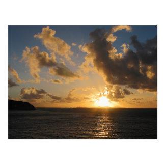 Salida del sol con las nubes San Martín Postales