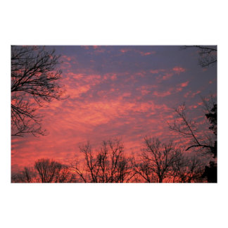 Salida del sol con las nubes vivas impresiones