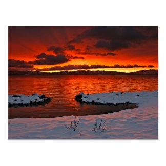 Salida del sol de Coloful el lago Tahoe… Postal