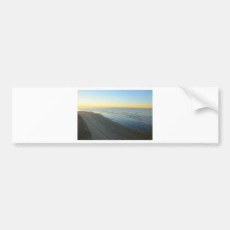 Salida del sol de Huntington Beach en la playa Pegatina De Parachoque