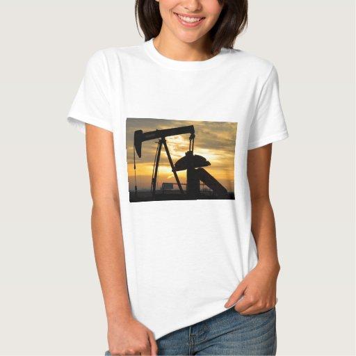 Salida del sol de la bomba de aceite playeras