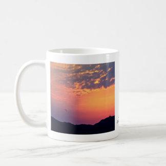 Salida del sol de la playa de Murlough Tazas De Café