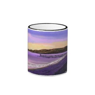 Salida del sol de la playa taza a dos colores