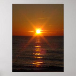 Salida del sol de oro póster