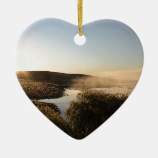 Salida del sol de Slough en las praderas Adorno Navideño De Cerámica En Forma De Corazón