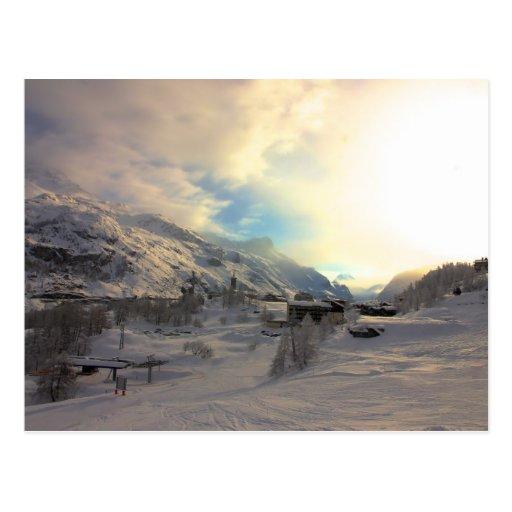 Salida del sol del invierno de Tignes Les Bois Postal
