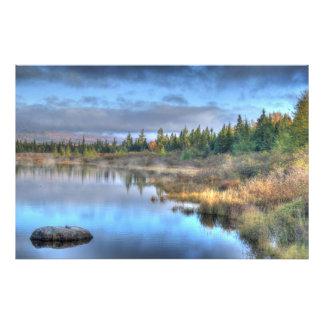Salida del sol del otoño en el lago Maine Cojinete