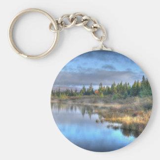 Salida del sol del otoño en el lago Maine Llavero Redondo Tipo Pin