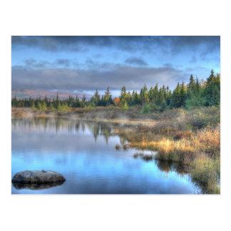 Salida del sol del otoño en el lago Maine Tarjetas Postales