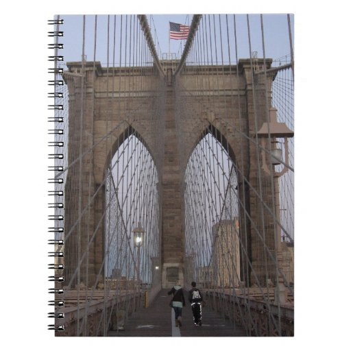 Salida del sol del puente de Brooklyn NYC el Noche Spiral Notebooks
