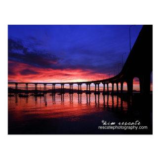 Salida del sol del puente de Coronado Tarjeta Postal