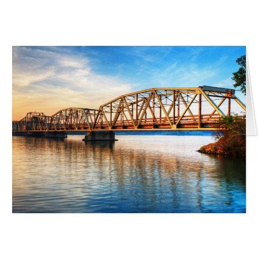 Salida del sol del puente de peaje tarjeta de felicitación