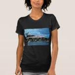Salida del sol del puerto de Wharf Bermudas de rey Camisetas