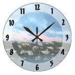 Salida del sol del puerto de Wharf Bermudas de rey Reloj
