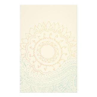 Salida del sol detallada del extracto de la alheña  papeleria de diseño