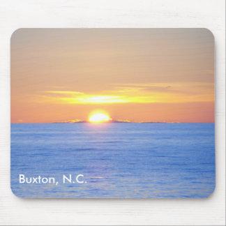 Salida del sol en Buxton, N.C. Alfombrilla De Ratón