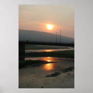 Salida del sol en Corning Póster