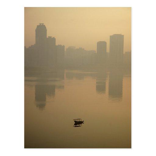 Salida del sol en Dubai Tarjeta Postal