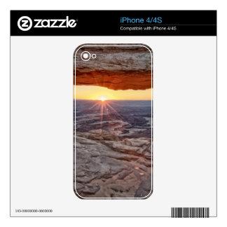 Salida del sol en el arco del Mesa, parque naciona iPhone 4 Skin