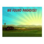 Salida del sol en el paraíso de la granja postal