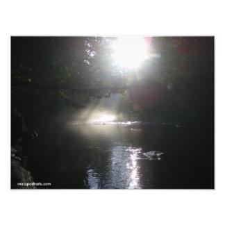 Salida del sol en el río del perro amarillo fotografias