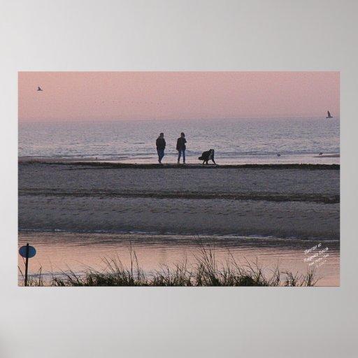 Salida del sol en la playa de Ridgevale Póster