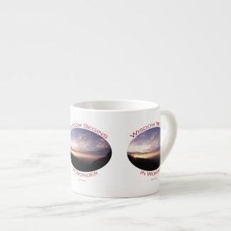 salida del sol en las montañas ahumadas taza espresso