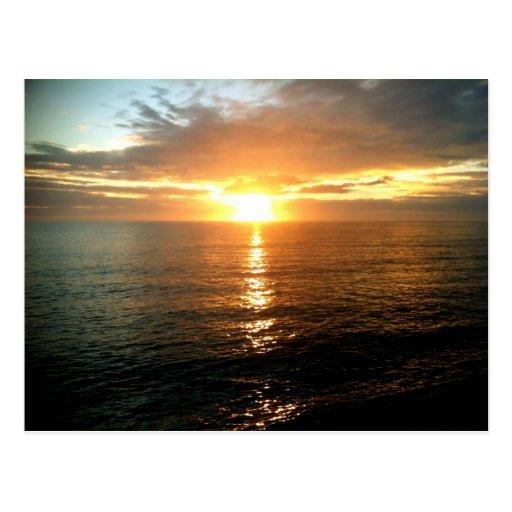 Salida del sol en OBX en la playa de Carolina del  Tarjetas Postales