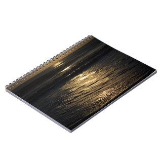 Salida del sol en sepia note book